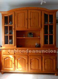 Mueble de pino macizo color miel