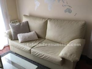 Vendo sofa polipiel color crema 3 plazas en buen estado