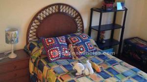 Somier madera, colchón, cabezal, mesilla