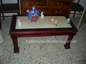 Vendo mesa para salon antigua, de madera maciza con piedra