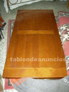 Vendo mesa para salon de madera maciza, color miel.