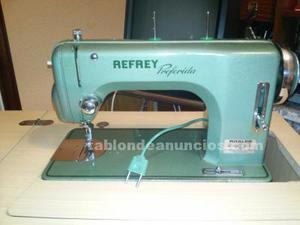 Vendo máquina de coser refrey