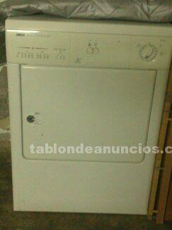 Vendo secadora zanussi zte 230 con muy poco uso