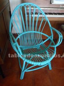 Silla de bambú color turquesa