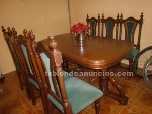 Vendo mesa extensible de madera, con seis sillas a juego
