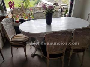 Mesa comedor y seis sillas tapizadas