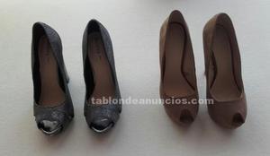 Dos pares de zapatos sin estrenar por 20€.