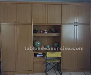 Mueble de habitación juvenil con dos camas empotradas