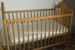 Se vende habitación de bebe marca micuna