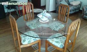 Preciosa mesa de cristal y 4 sillas