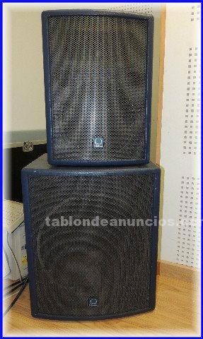 Equipo profesional sonido para grupo o dj