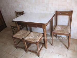Se vende mesa y sillas de cocina