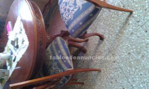Mesa con 6 sillas en buen estado
