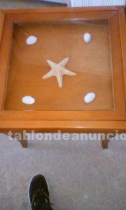 Mesa de madera con cristal
