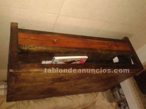 Preciosa mesa de centro en madera maciza