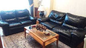 Vendo sofas de piel 3 + 2 color azul oscuro