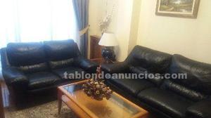 Vendo sofá piel 2 plazas y regalo de 3