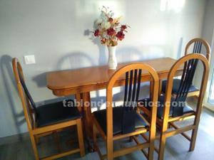 Mesa-libro y 4 sillas