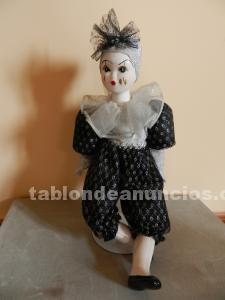Muñeca porcelana adorno