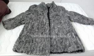 Abrigo y dos chaquetones de piel
