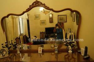 Comoda con espejo antigua