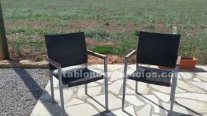 Vendo sillas de jardín en buen estado.