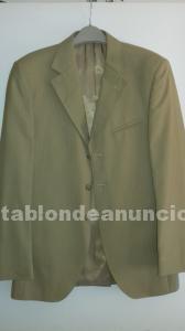 Traje de raya diplomática color marrón clarito