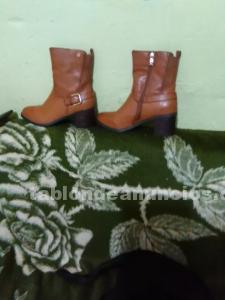 Vendo botas con poco uso