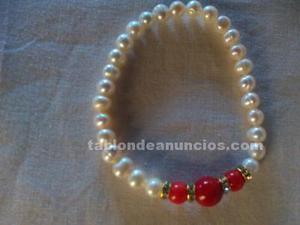 Pulsera de coral blanco y rojo