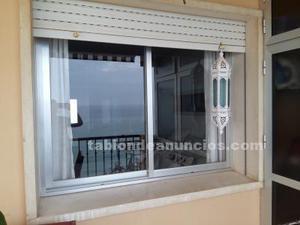 Puerta de madera de dos hojas antigua posot class for Ventanas aluminio gris antracita