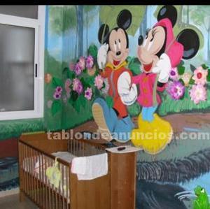Dormitorio infantil. Cuna, cama, armario, estanterías, 2