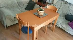 Mesa de cocina de madera natural