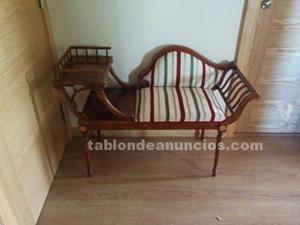 Mesa telefonera en madera