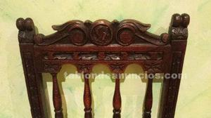 Silla de madera maciza y tallada