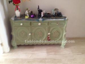 Mueble antiguo decorado vintage