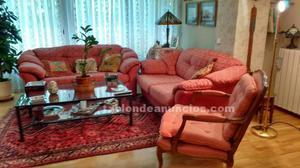 Dos sofás y un sillón