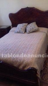 Vendo cama matrimonio 135 cm x 200 cm con 2 mesillas de