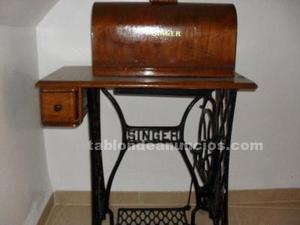Máquina de coser a pedal
