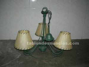 Vendo lampara de forja de color verde para salon.
