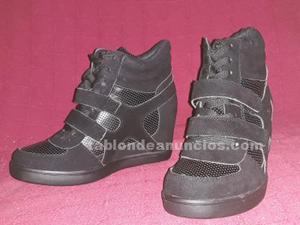 Vendo zapatillas/sneakers cuña interior negras del número