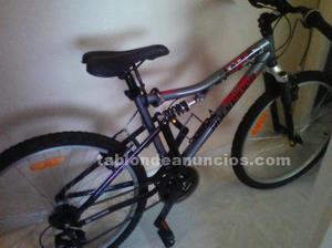 Bicicleta de montaña rockrider.