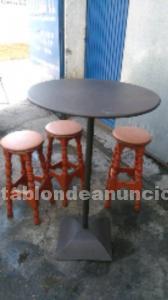 Juego mesa y taburetes
