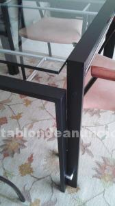 Conjunto de estantería, mesa de comedor y sillas