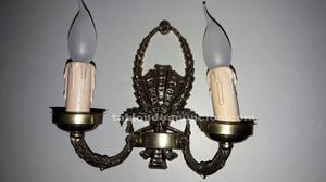 Reloj, 2 candelabros y 2 apliques