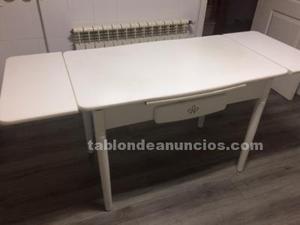 Mesa y 4 sillas de cocina