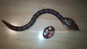 Serpiente con mando a distancia
