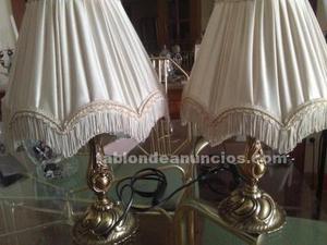 Dos lamparitas de mesilla de bronce