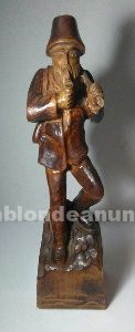 Escultura de madera antigua