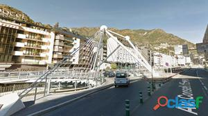 Edificio en el centro de Andorra la Vella para reformar
