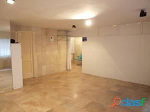 Oficina en venta o alquiler en Tres Cruces - Zamora